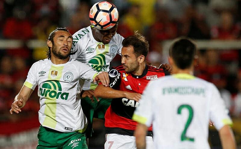 Ribeiro e Lucas Mineiro
