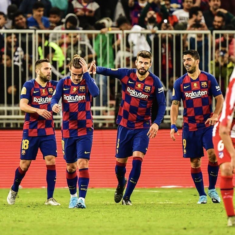 barcelona comemora gol